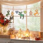 Праздник в мелочах: 17 очаровательных идей новогоднего декора маленьких уголков